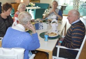 Spiserobot på plejecenter